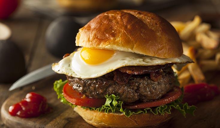 Brazilian Burger With Egg